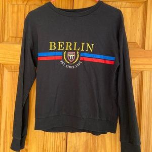 H&M Women's Black Berlin Sweatshirt Small